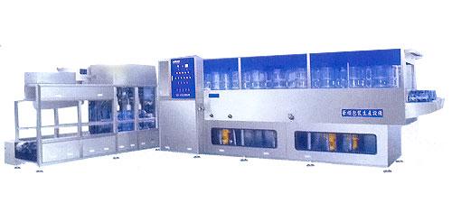 华顺r系列全自动桶装生产线:专供5加仑桶装饮用水生产之用